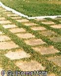 Piso em concreto com formato quadrado